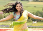 Anjali Hot Navel Show Photos in Half Saree