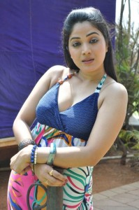 Actress Avanika Hot Cleavage Show Photos Gallery 5