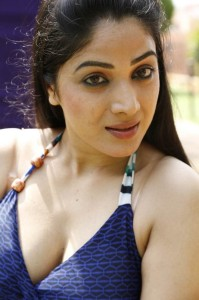 Actress Avanika Hot Cleavage Show Photos Gallery 7