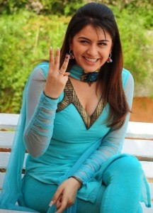 Actress Hansika Motwani Hot Cleavage Show Photos Gallery 3