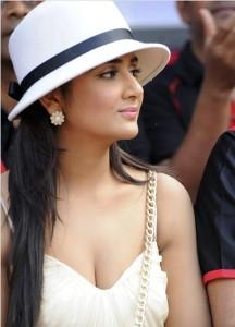 Actress Parul Yadav Hot Photos At CCL Match 2