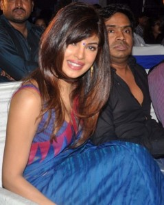 Actress Priyanka Chopra Latest Sexy Saree Pictures Gallery 3