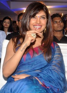 Actress Priyanka Chopra Latest Sexy Saree Pictures Gallery 8