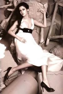 Sonal Chauhan Sexy Photoshoot Pics