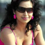 Actress Teertha Hot Cleavage Show Photos