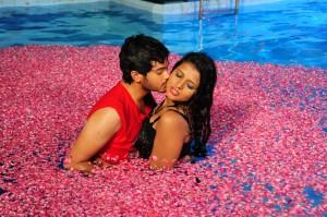 Amma Nanna Oorelithe Movie Hot Photos Gallery 7