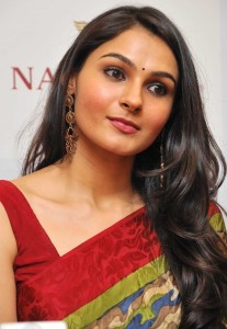 Andrea Jeremiah Latest Photos Gallery in Saree 5
