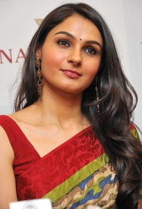 Andrea Jeremiah Latest Photos Gallery in Saree 7