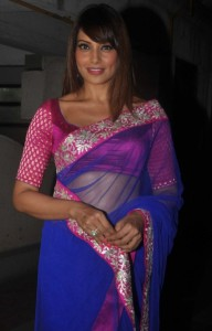 Bipasha Basu Latest Sexy Saree Photos Gallery 2