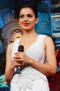 Kangana Ranaut Latest Stills at Rajjo Movie Promotion, Kangana Ranaut Hot Navel Show Pictures