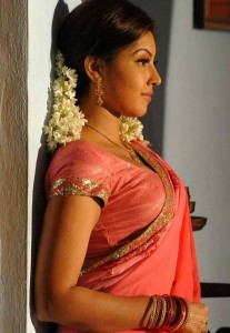 Komal Jha Latest Hot Photos Gallery in Saree 6