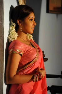 Komal Jha Latest Hot Photos Gallery in Saree 7
