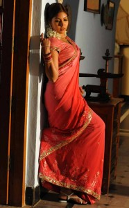 Komal Jha Latest Hot Photos Gallery in Saree 8