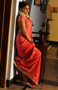 Komal Jha Latest Hot Photos Gallery in Saree 9