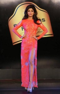 Shilpa Shetty Hot Photos At Blenders Pride Fashion Tour 2013