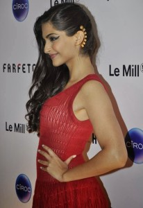 Sonam Kapoor Sexy Pics At Farfetch Le Mill Store Launch