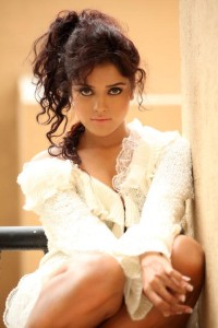 Actress Piaa Bajpai Hot Photoshoot Pictures