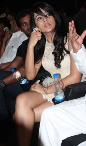 Trisha Hot Photos At Endrendrum Punnagai Movie Audio Launch 6