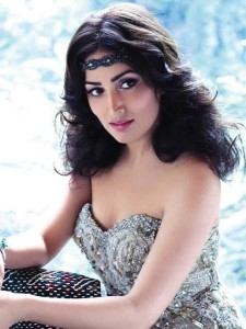 Yami Gautam Photoshoot For Hello India Magazine November 2013 (1)