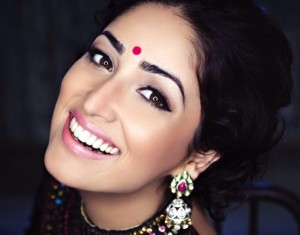 Yami Gautam Photoshoot For Hello India Magazine November 2013 (6)