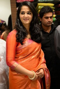 Anushka Kalamandir Showroom Launch Photos 1