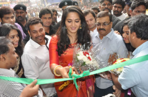 Anushka Kalamandir Showroom Launch Photos 5