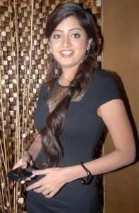Poonam Kaur Hot Spicy Photos in Black Dress 5