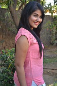 Anjali Cute Photos At Settai Movie Press Meet 5
