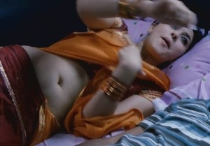 Hansika Motwani Hot Navel Photos in Velayutham Movie 2
