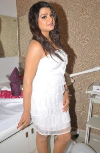 Tashu Kaushik Stills At Naturals Spa Launch 3