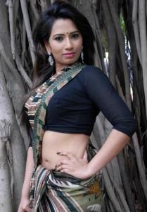 Sanjana Naidu Sexy Navel Picturues