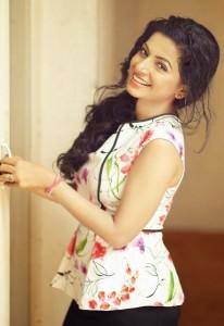 Aishwarya Menon Hot Sexy Photoshoot Photos 9