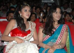 Amala Paul and Sameera Reddy At Vettai Movie Audio Launch