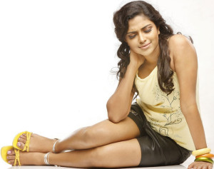 Amala Paul Legs Show Stills
