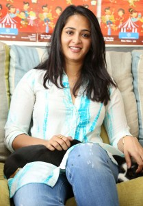 Anushka Blue Cross Pet Carnival Press Meet Pictures