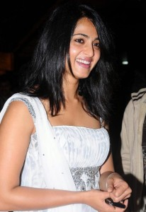 Anushka Smiling Pictures