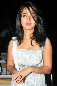 Anushka Photos At Vedam Movie Audio Launch 8