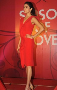 Anushka Sharma At Gitanjali Season of Love Collection Launch Photos 6