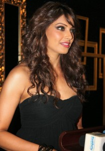 Bipasha Basu Hot Pics At Deepika Padukone Success Bash 5