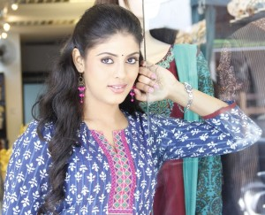 Iniya Photos From Kan Pesum Vaarthaigal Movie 6
