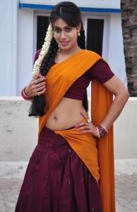 Kanishka Hot Navel Show Photos in Moovar Tamil Movie 6