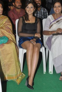 Madhu Shalini Thighs Show Photos At Park Movie Audio Launch 9