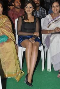 Madhu Shalini Thighs Show Photos At Park Movie Audio Launch 9