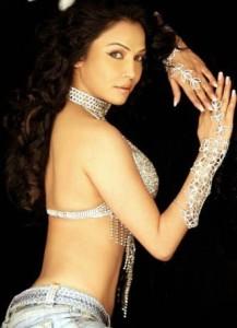 Nikitha Rawal Sexy Images