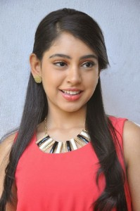 Telugu Actress Niti Taylor New Cute Pictures Gallery