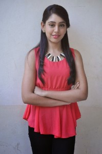 Niti Taylor Latest Cute Photos in Jeans 10