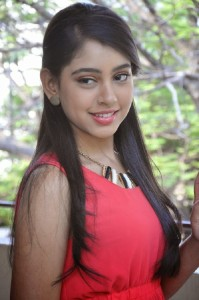 Niti Taylor Latest Pics in Jeans