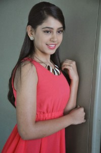 Niti Taylor Latest Cute Photos in Jeans 4