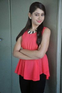 Niti Taylor Latest Cute Photos in Jeans 6