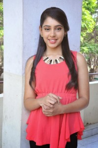 Niti Taylor Latest Cute Photos in Jeans 7